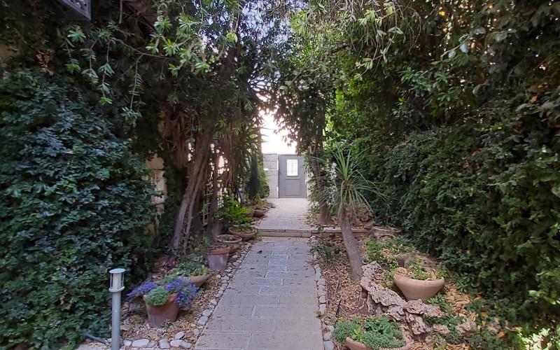 the entrance (Personnalisé)